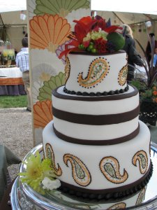 wedding cakes paisley paisley themed wedding tie the knot at oasis 25223