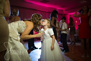 How adorable is this flower girl?!